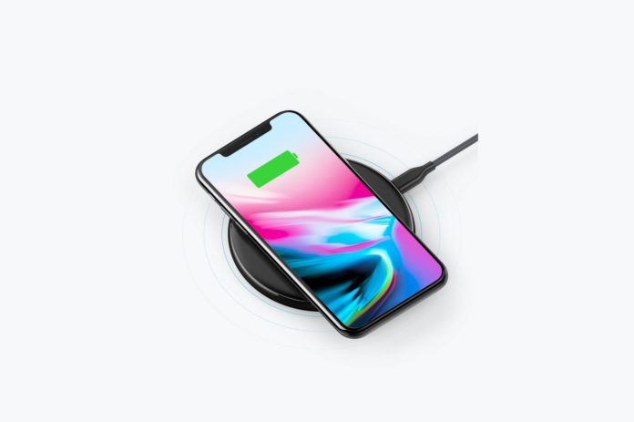 _Anker Wireless Charger, PowerPort Wireless 5 Pad Upgraded-min