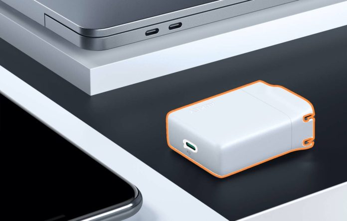 AUKEY USB-C Charger with 27W Power Delivery 3.0-min