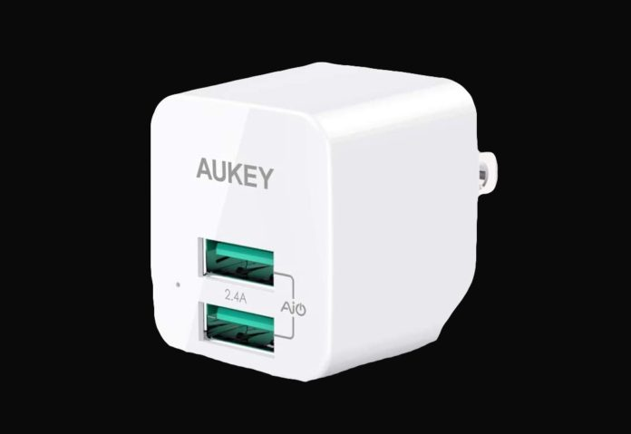 AUKEY USB Wall Charger with Foldable Plug