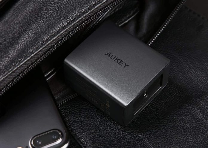 AUKEY 18W USB C Charger -min