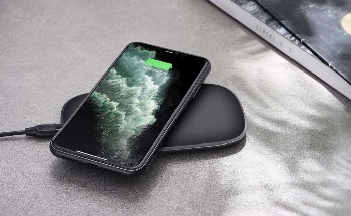 AUKEY Wireless Charger-min (1)