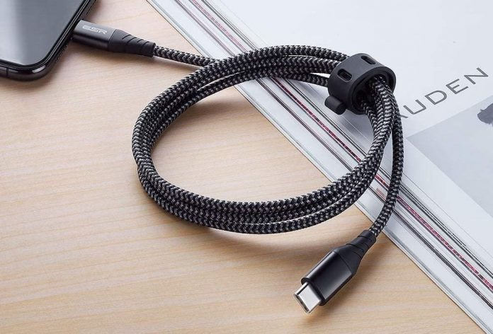 ESR USB C to Lightning Cable-min