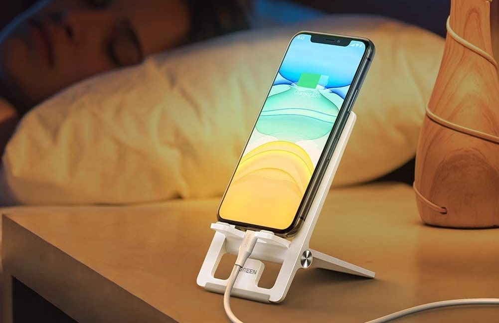 UGREEN Cell Phone Stand-min (1)