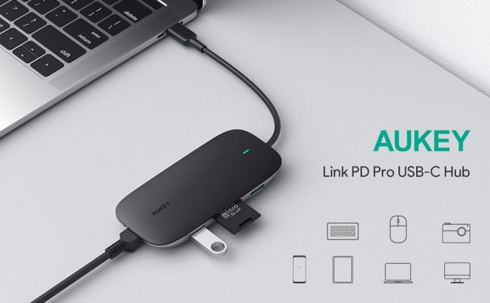 AUKEY 8-in-1 Type C Adapter-min (2)
