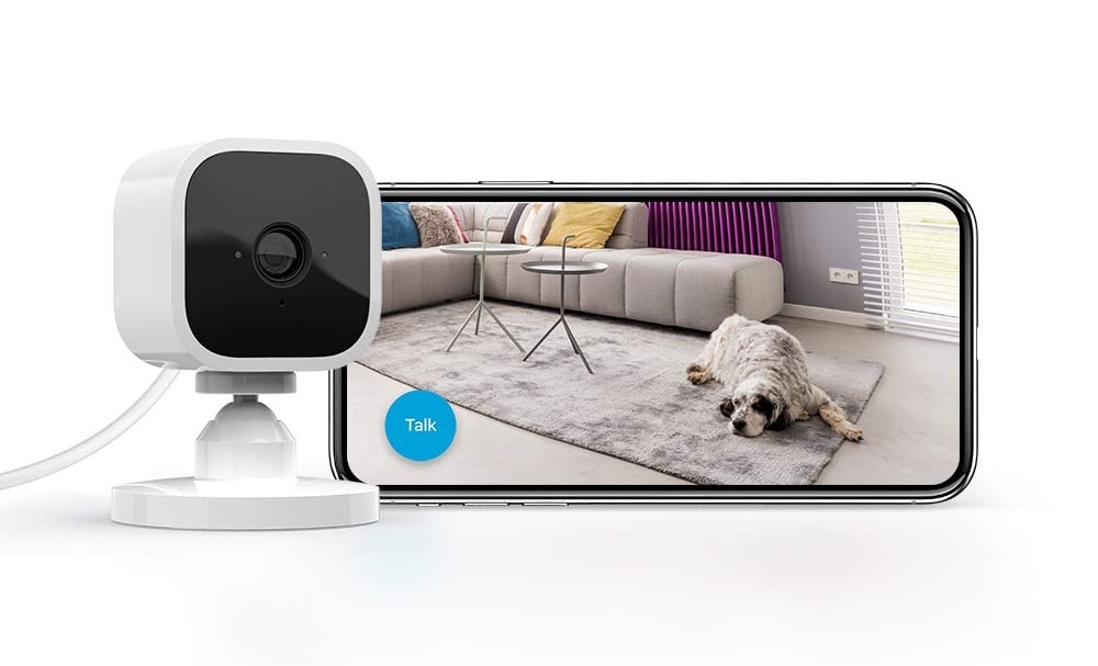 Blink Mini – Compact indoor plug-in smart security camera-min