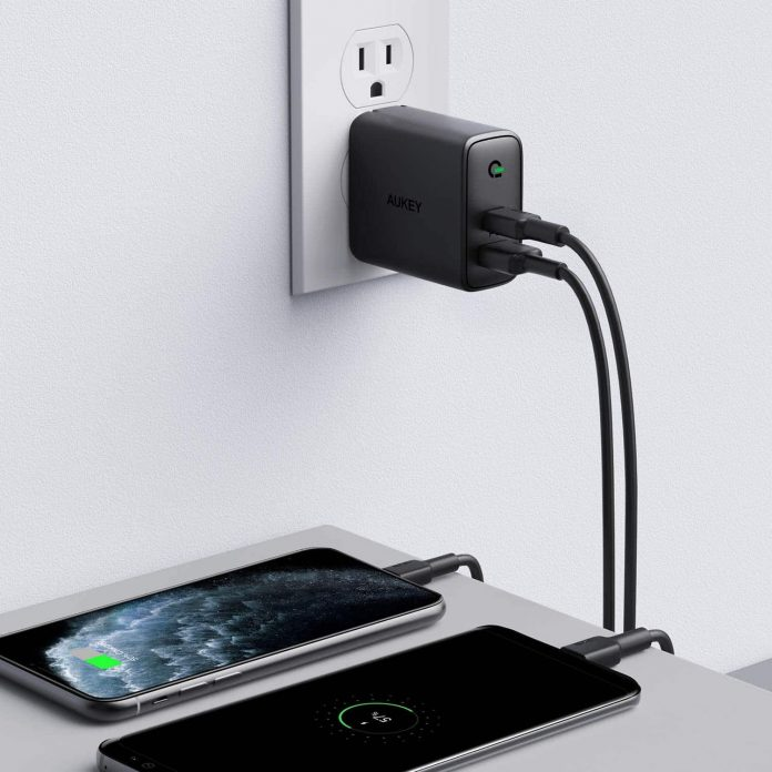 AUKEY Focus USB C Charger-min