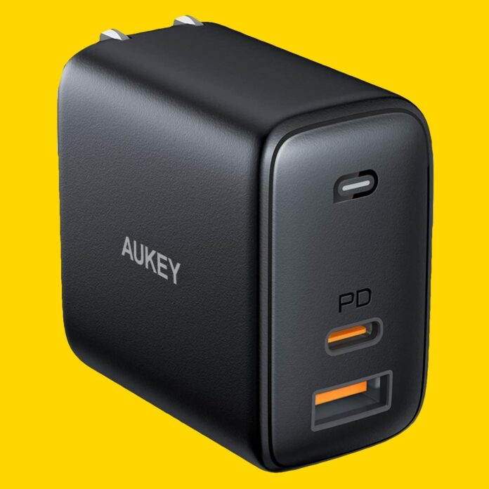 AUKEY Omnia 65W Fast Charger-min (6)