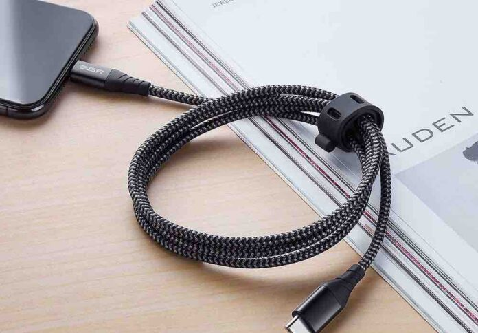 ESR USB C to Lightning Cable