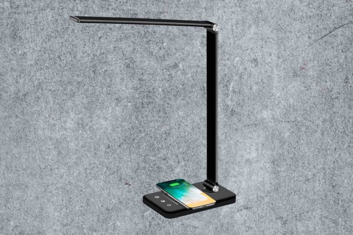Multifunctional LED Desk Lamp with Wireless Charger-min (1)