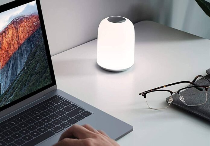 AUKEY Bedside Table Lamp