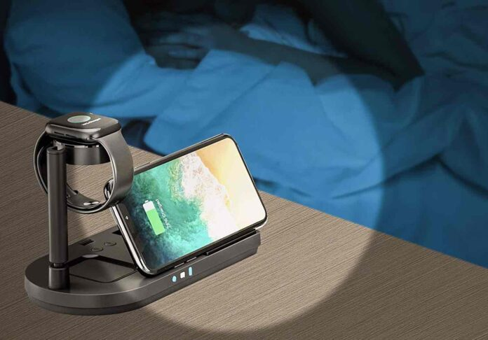 4 in 1 Qi-Certified 15W Fast Charging Dock with Bedside Lamp