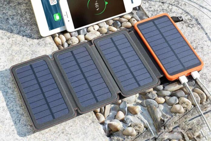 SOARAISE Solar Phone Charger with 4 Solar Panels