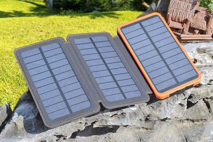 FEELLE Portable Solar Power Bank with 3 Foldable Solar Panels