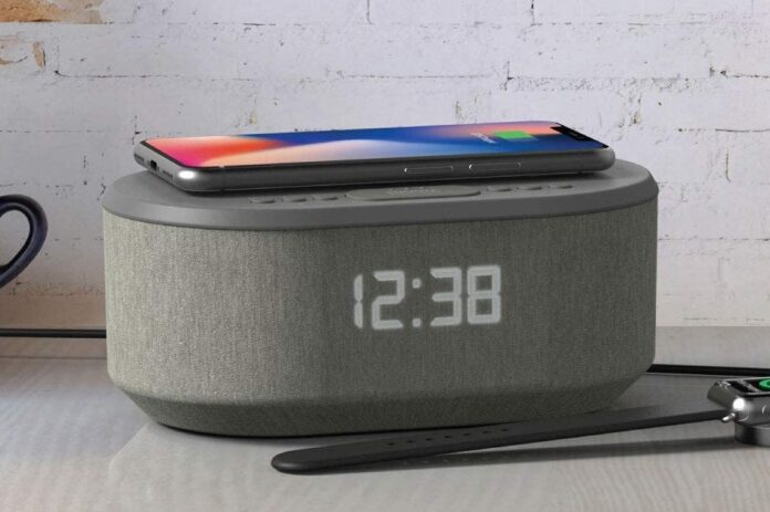 Bedside Radio Alarm Clock with USB Charger