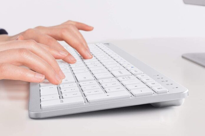 iClever BKA26S Bluetooth Keyboard